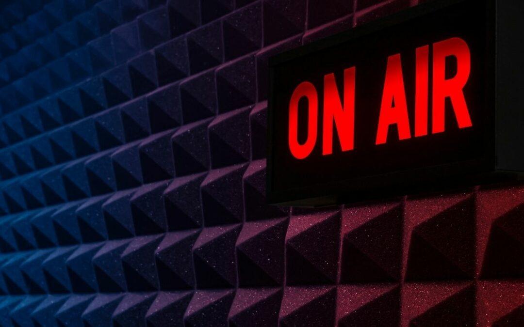 Podcast Aufnahme: 5 Dinge die du vorher beachten solltest – mit kostenloser Checkliste