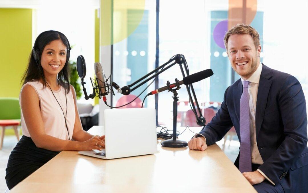 Podcast Moderation: Diese Dinge solltest du als Moderatorin beachten!